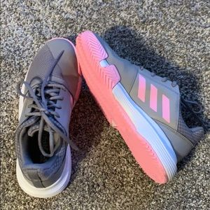Adidas grey/pink sneakers/court shoes.